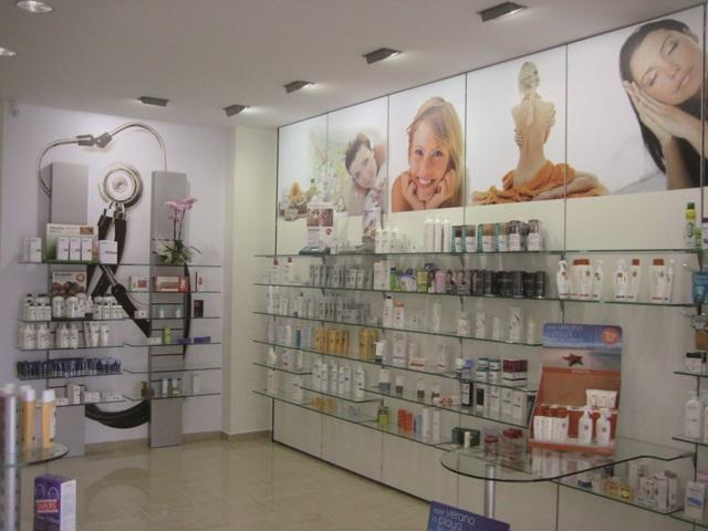Disseny Interior Farmàcia-RètolsDigimp